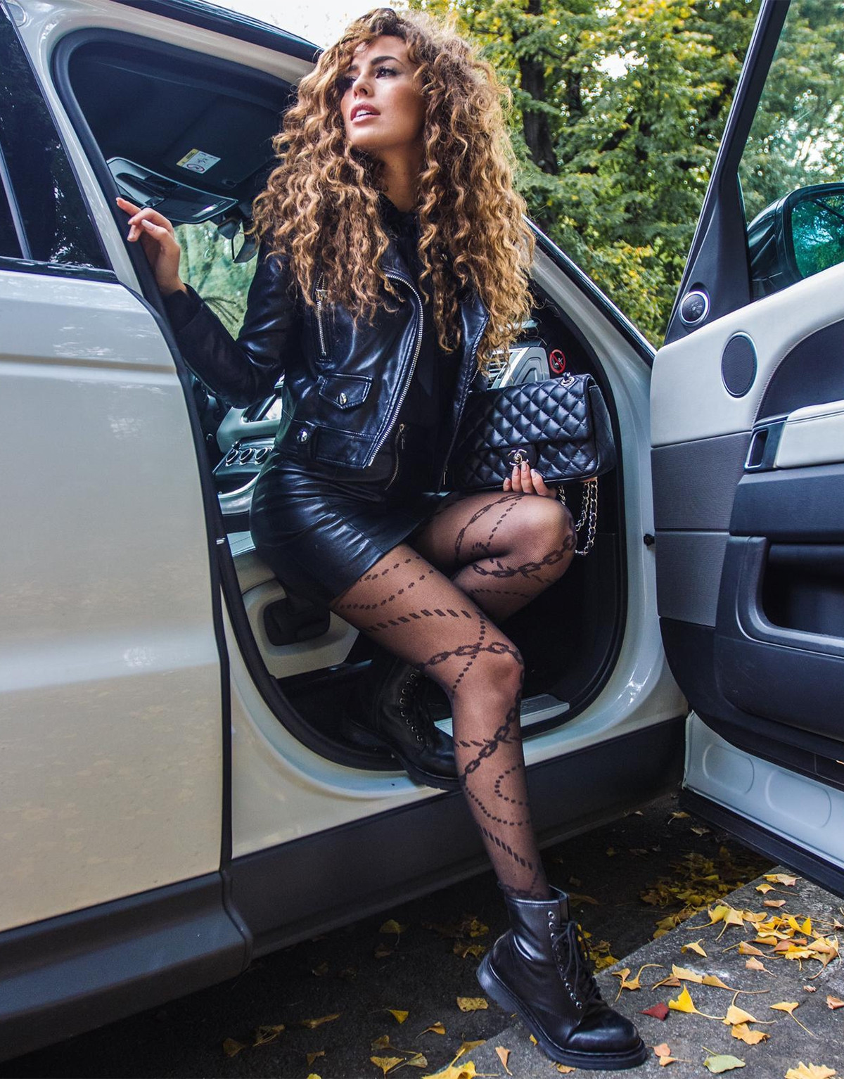 MICRO FISHNET TIGHTS WITH CHAINS PATTERN - 20 DEN