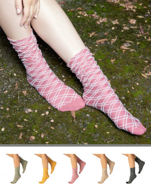 LOOSE TOP DIAMOND PATTERN SOCKS – 40 DEN