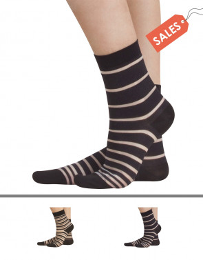SOCKS WITH STRIPES